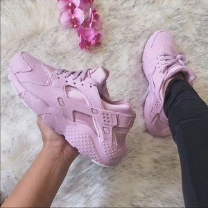 NWT🌸 Nike Huarache Run Pink Corduroy 7Y/8.5W